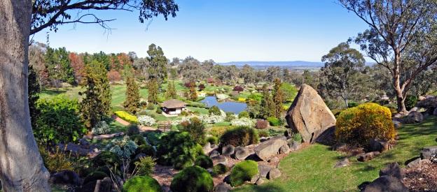 07__Japanese_Garden_Pano%2C_Cowra%2C_NSW%2C_22_09_2006